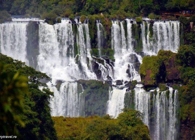 Iguazu- curcubeu peste granit și loc de întâlnire al cerului cu apa