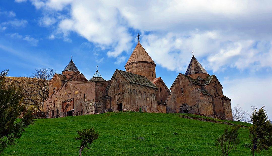 armenii se datorează site- ului)