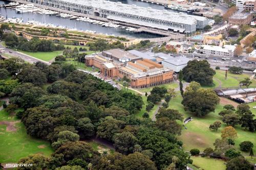 Sydney 72